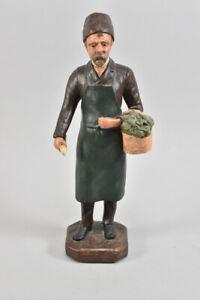 h18b85- Stuck Figur eines Gemüsegärtners, gefasst