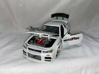 JADA DUB CITY 2002 NISSAN SKYLINE GTR R34 1:24 WHITE PEARL GTR R34 VERY COOL.