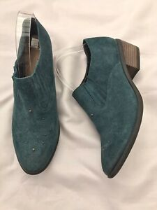 Clarks Teal Suede Western Style Shoe Boot 8 Small Block Heel