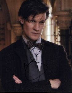 Actor Matt Smith as Doctor Who signed 14x11 photo