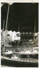 Fête foraine Enfants dans un manège Duvauchelle en 1940 Semble à Capo d'Etuno