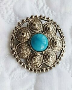 Brooch ~ Celtic Design ~ Silver Tone ~ Turquoise Stone (Imitation) ~ Round
