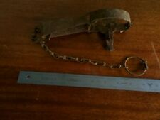 VINTAGE TRAPPERs  VICTOR   METAL ANIMAL TRAP