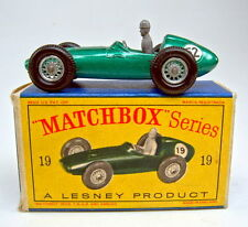 "Matchbox RW 19C Aston Martin Racing Car grünmetallic Nummer ""52"" top in Box"