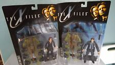 1998 McFarlane Toys The X-Files Series 1 Agent Fox Mulder and Agent Dana Scully