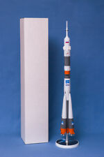 "BIG CUSTOM MODEL of the CARRIER RUSSIAN SPACE ROCKET ""SOYUZ MANNED"" (M1:72)"