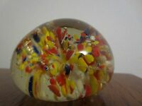BEAUTIFUL VINTAGE ART GLASS PAPERWEIGHT