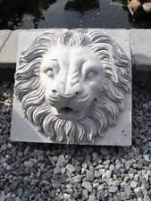 lion ,ancienne face en pierre bleu d une fontaine , a voir !!! sablé !!!