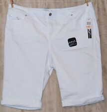 INC INTERNATIONAL CONCEPTS MACY'S KNEE LENGTH WHITE JEAN SHORTS SILVER EMB 24W