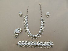 VINTAGE LISNER 5 PC SET NECKLACE BRACELET BROOCH EARRINGS GOLD TONE RHINESTONE