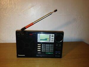 A SONY RF-B65 world radio (showing error)