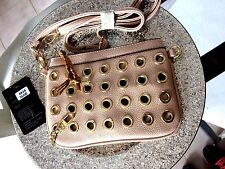 SAC A MAIN SACOCHE BANDOULIERE  COULEUR NUDE CLOUTER OR