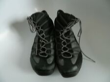 Tsubo Womens Black Silver Sneakers Sport Walking Driving Shoes Size 9