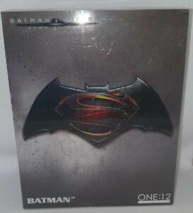 Mezco BATMAN DC BVS Batman v Superman Dawn of Justice figure ONE:12 Collective