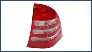 New Genuine Mercedes w203 C240 C320 C-class Taillight Assembly ( R ) OEM