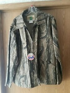 Ideal Standing Timber brown hardwoods Camouflage coat. Size L. USA Made. NOS