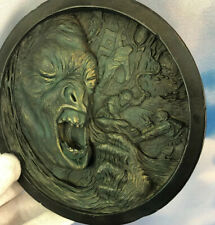 Lord of the Rings Medallion 5 Sideshow Weta Birth of the Urur Hai Signed 00081
