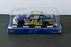 JIMMIE JOHNSON #48  WINNERS CIRCLE 2002 MONTE CARLO LOONEY TUNES LOWES 1:24