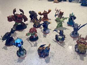 skylanders giants bundle Wii 15 Figures!! Excellent Condition