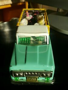 VINTAGE TRUCK MF 985 FOWLS TRANSPORTER ANIMAL FAMILY VAN FRICTION TOY CHINA 60s