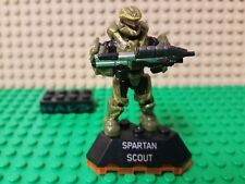 HALO MEGA BLOKS SPARTAN SCOUT MINIFIGURE WITH STAND AND WEAPON