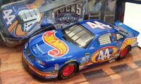 Hot Wheels 1/24 Scale 25314 - Stock Car Pontiac #44 Nascar - Blue
