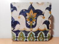 Carreau ancien faience Tunisie ceramique orientale Afrique Nord art islamique