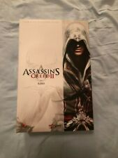 Hot Toys Assassins Creed 2 Ezio Auditore Collectible ** Fast Shipping **