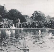 PARIS c. 1940 - Enfants Bateaux Voiliers Bassin Parc des Tuileries - NV 1137