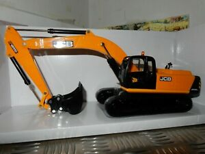 Britains JCB JS 330 Digger/ Tracked Excavator 1/32 Replica 43044 Brand New......