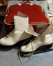 Vintage Women's Aerflyte Figure Skates Size 7 (w/ Original Case & Blade Covers)
