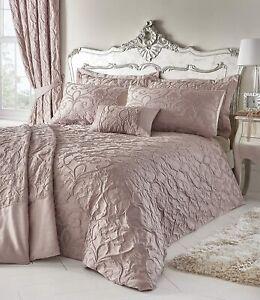 Portfolio Bentley Blush Woven Jacquard Duvet Cover Bed Set,