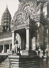 Photo chantier de l'Exposition coloniale, Construction du temple d'Angkor 1931