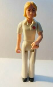 VTG FISHER PRICE 1974 ADVENTURE PEOPLE RESCUE TEAM SUSAN WHITE SUIT GREEN CROSS