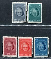 Nederland nvph 444 / 448 serie Kinderzegels 1945, postfris/MNH
