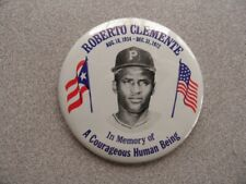 >1970's ROBERTO CLEMENTE *In Memory of a Courageous Human Being* Pin Pinback