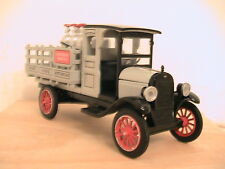 Chevy 1923 1 Ton w/ Propane Btls. National Motor Mint 1:32 Scale Die Cast F-174