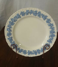 "WEDGWOOD Queens Ware Embossed Blue On White Cream Dinner Plate10-1/4"" MINT"