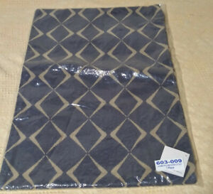 """Crate & and Barrel CUOMO 22"""" x 15"""" PILLOW COVER-  NEW- Sealed in Package"""