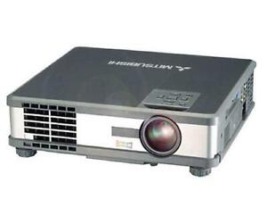 Mitsubishi XL5U LCD Projector With 818 Lamp Hours Used