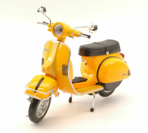 Model motorcycle Scale 1:12 vespa P 200 diecast vehicles road collection Bike
