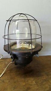 Ancienne lampe industrielle plafonnier en fonte ou acier !! lampe d'atelier 1940
