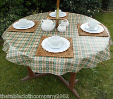 1.4m ROUND GREEN HEARTS WIPECLEAN/PVC TABLECLOTH WITH PARASOL HOLE / GARDEN