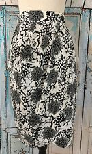 Jaeger Skirt Women's Size 8 White Black Floral Wrap Cross Pleated Polyester