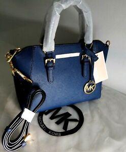 Michael Kors Crossbody Jet Set Travel Bag