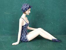 Große Nostalgische Figur Frau 20er Jahre Sitzend im Anker Badeanzug Antik Stil
