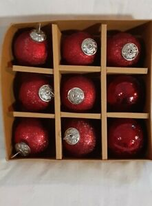 Ornaments x 9 Tinsel & Fir