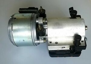 Compresseur Hydraulique Suspension Citroen C5 965406868000-  Reparation