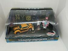 NYCC 2011 Excl.Transformers Prime 2-PACK Autobot BUMBLEBEE & ARCEE First Edition