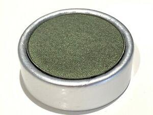 STILA MAGNETIC EYESHADOW PAN REFILL IN SILVER BOX JADE - GREEN WITH GOLDEN SHEEN